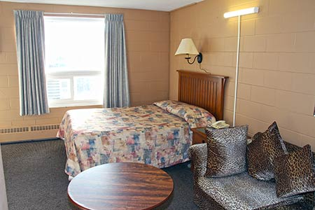 Executive Suite Capone's Hideaway Motel Moose Jaw